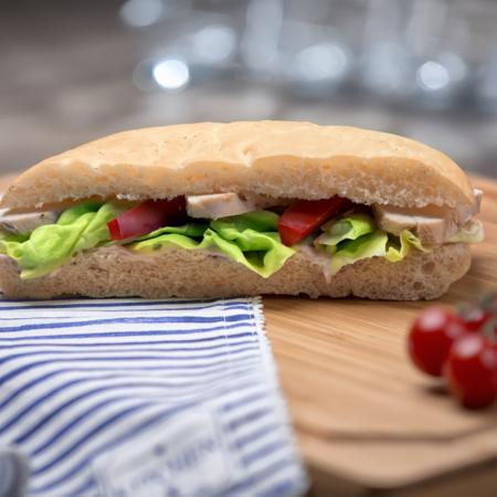 Plněný chlebík s kuřecím masem