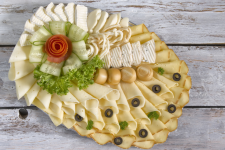 Obložená mísa sýrová