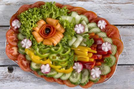 Obložená mísa zeleninová