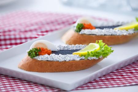 kaviárový chlebíček