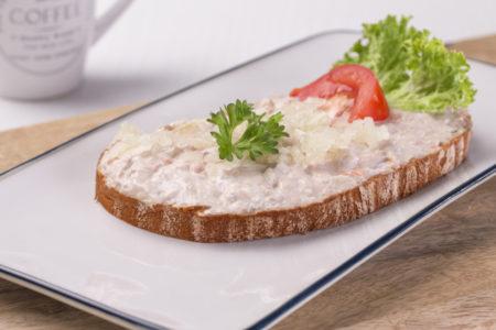 chléb s tuňákovou pomazánkou, pomazánka